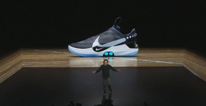 14802201adc Nike kondigt 'smartschoen' aan met zelfstrikkende technologie | Tech ...