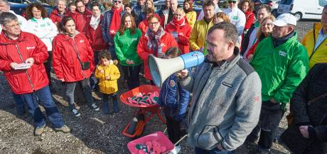 'Osse front tegen de stront' houdt manifestatie tegen mestfabriek: 'We gaan die hele mestfabriek wegflyeren'