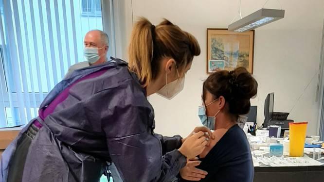 Medewerkers van het AZ Diest profiteren van het teveel aan vaccins in het woonzorgcentrum