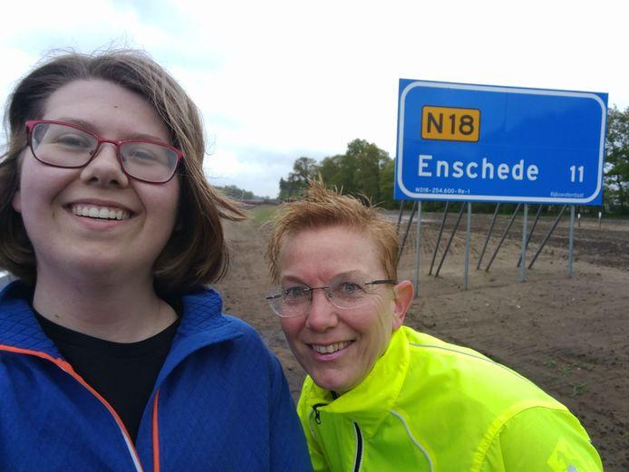 """,,Afgelopen dinsdag heerlijk hardgelopen op de N18 met Jacqueline Haghuis. We moesten nog wel een eindje terug naar Enschede"""", aldus Rebecca ter Borg."""