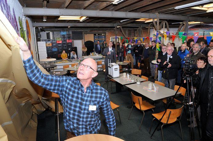 Jan Brons verrichtte vijf jaar geleden nog de opening van het pand van de Voedselbank.
