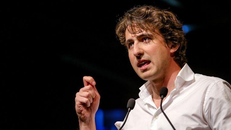Jesse Klaver speecht tot zijn partijgenoten op het congres van GroenLinks. Beeld anp