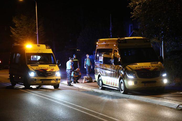 De ambulances ter plaatse voor de botsing in Elst.