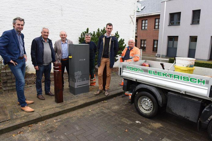 De eerste elektrische laadpaal in Gooik is een feit.