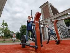 Sport en spel rond de kerk, plezier voor jong en oud