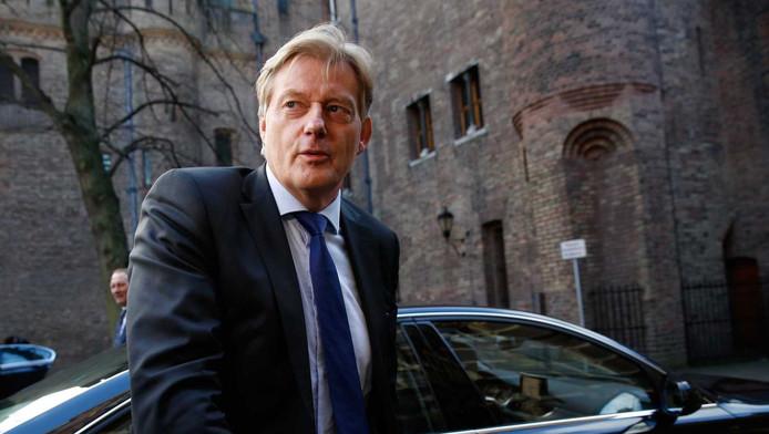 Martin van Rijn staatssecretaris van Volksgezondheid, Welzijn en Sport arriveert op het Binnenhof voor de wekelijkse ministerraad.