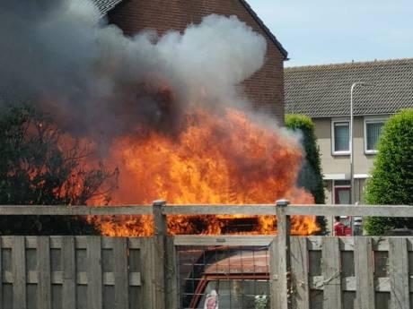 Brand in schuur Schoonhoven zorgt voor vlammenzee