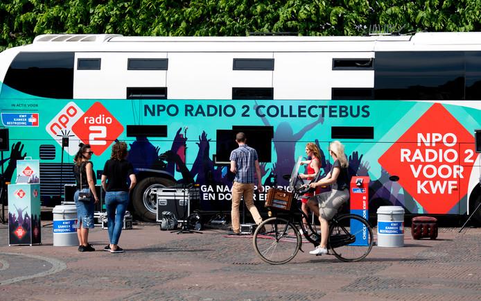 Het radiostation trekt met de mobiele studio het land door om geld in te zamelen voor het KWF.