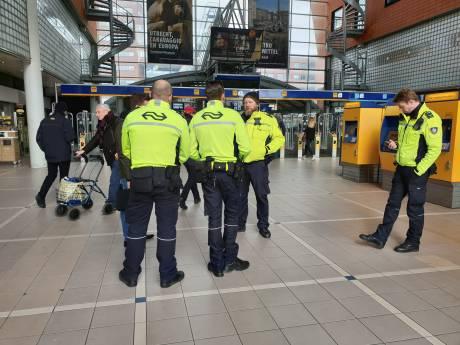 Scholen in Amersfoort houden kinderen binnen, bussen rijden niet na schietincident in Utrecht