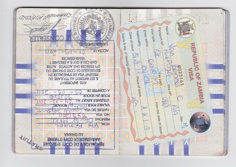Het paspoort van reisredacteur Noël van Bemmel. Beeld
