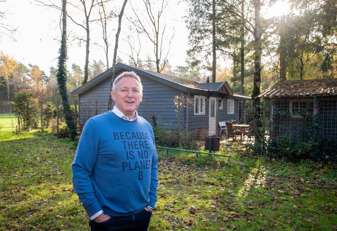 Harry Hoorn van camping Auerhaan in Putten gaat zijn camping ombouwen tot natuur, als eerste recreatiepark in het project Vitale Vakantieparken.