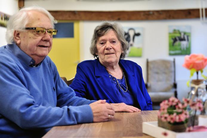 Martin van Kleef is woedend over het toenemende aantal eigen bijdragen dat ze moeten betalen voor de opvang van zijn echtgenote Shirley in de dagbesteding.
