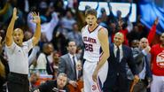 Hawks en Warriors winnen weer in NBA
