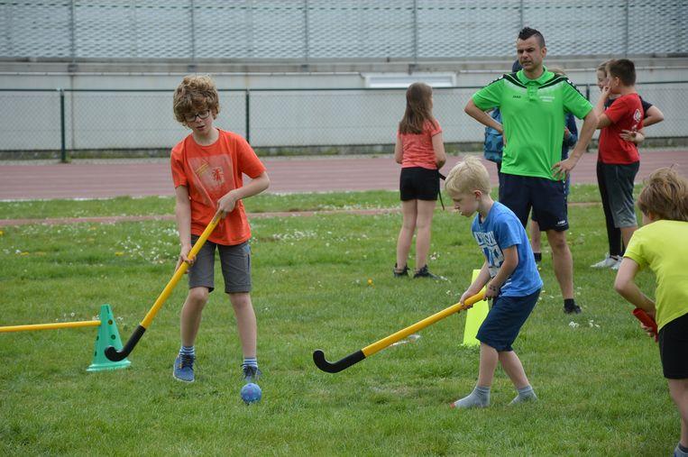 Er werd ook hockey gespeeld.