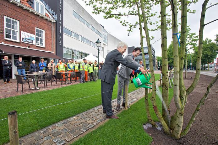 Heropening van de gereconstrueerde en vergroende Oude Vest in Breda.
