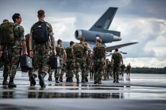 Defensie zet 550 Nederlandse militairen van de marine, de landmacht, de luchtmacht en de marechaussee in voor Disaster Relief Bahamas.