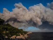 """Le feu presque maîtrisé près de Marseille: """"C'était la panique"""""""