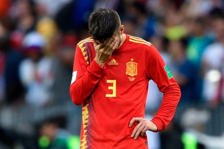 Gerard Piqué verbijt de pijn.