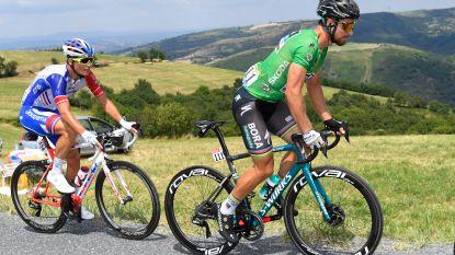 LIVE TOUR. Fransen slaan handen in elkaar op netelige klim - Is Sagan straks al zeker van groene trui?