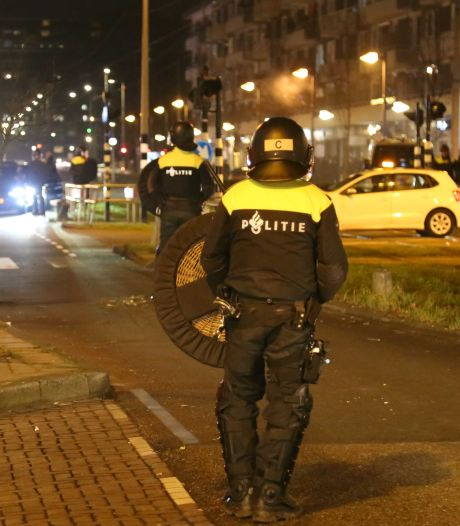 LIVE | Relatief rustige avond, wel 81 arrestaties na 'kat-en-muisspel' in Rotterdam