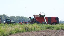 Landbouwersdochter (16) valt in aardappelmachine, brandweer kan haar op tijd redden