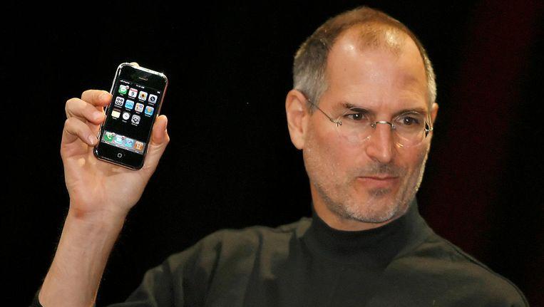 Steve Jobs presenteert de eerste iPhone, op 9 januari 2007. Beeld afp