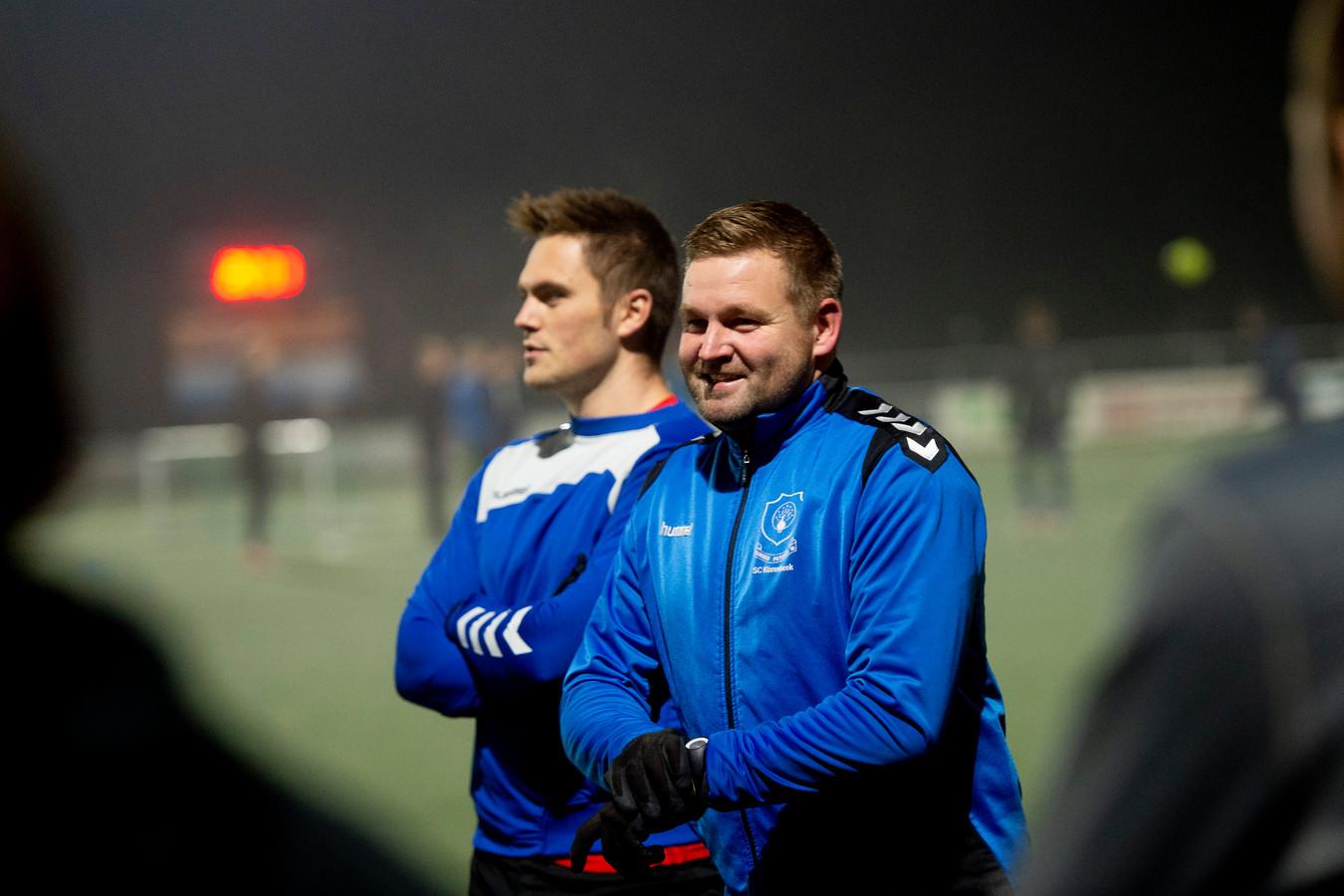 Danny van Engeland tijdens de training van Klarenbeek, de tegenstander van 'zijn' club Beekbergen.