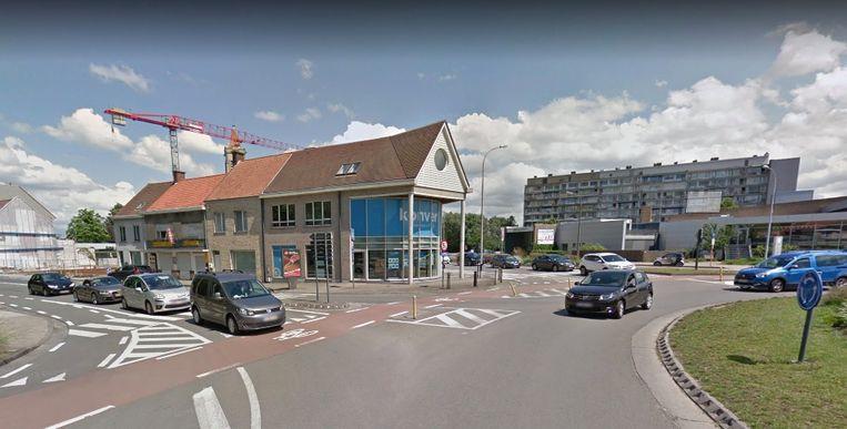 Het ongeval gebeurde op de hoek van de Hippoliet Spilleboutdreef en de Meensesteenweg in Roeselare.