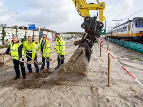 Wethouders blikken terug op Hoekse Lijn: 'We zeiden nog, hoe moeilijk is het om 27 kilometer spoor aan te leggen?'