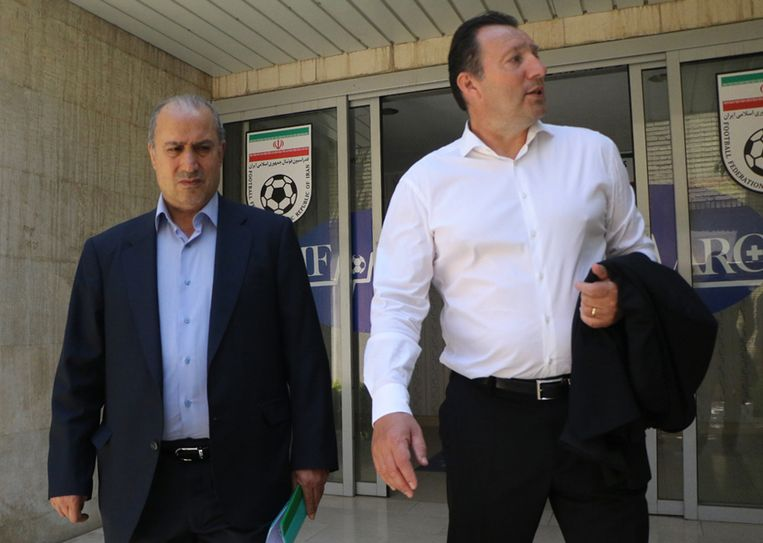 Marc Wilmots met de Iraanse bondsvoorzitter Mehdi Taj.