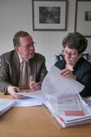 Bert van 't Laar en Trudy van Helmond. Beiden maken zich vanuit ouderenbond KBO sterk voor het recht van ouderen en zieken op goede huishoudelijke ondersteuning in Eindhoven.