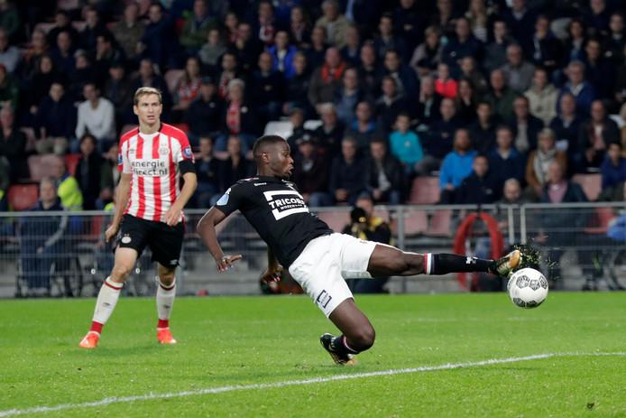 Karim Coulibaly (rechts) als invaller tegen PSV.