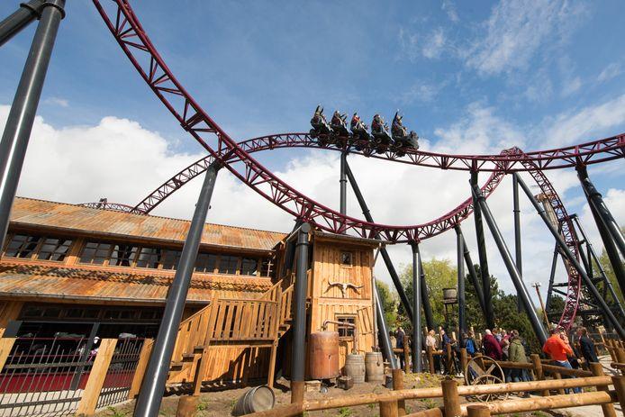 De achtbaan Gold Rush in Attractiepark Slagharen. Medewerkers en hun familie krijgen gratis toegang tot het park.