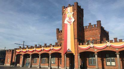 Kort carnavalsnieuws: het stationsgebouw is versierd, Café Oonaaveroi en radio op maandag