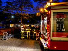 Bestelwagen cateraar vat vlam in in Oosterhout