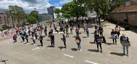 LIVE | Honderden mensen verzamelen zich voor demonstratie tegen racisme in Tilburg