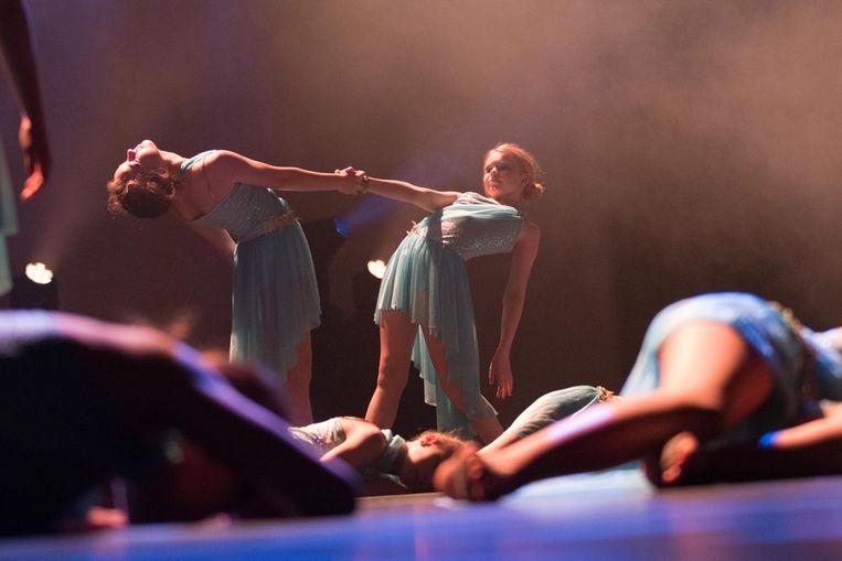 De leerlingen van dansschool Nele geven elk jaar het beste van zichzelf op het podium. Straks doen ze dat opnieuw in een reeks van acht shows in cultuurhuis De Leest in Izegem.