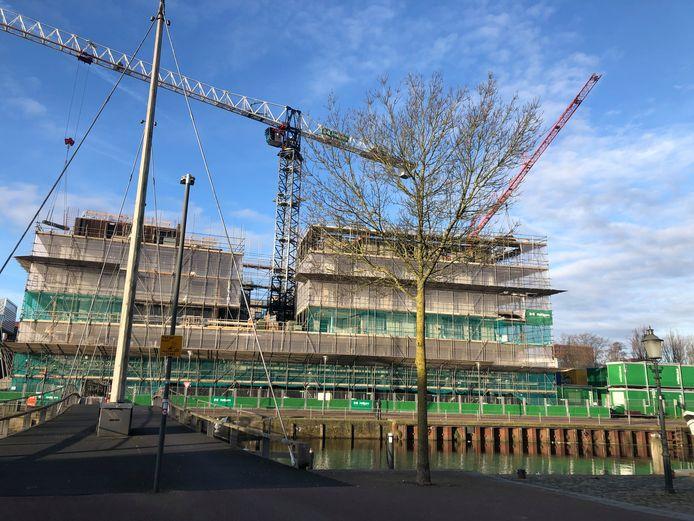 De bouw van Eemerald langs de Eem in Amersfoort gaat gestaag door.