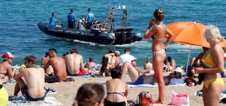 Strand Barcelona ontruimd wegens explosief in het water
