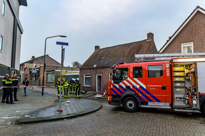 Verwarde man steekt eigen woning in Oosterhout in brand ...