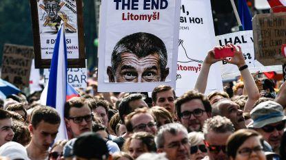 Grootste betoging in 30 jaar in Praag: honderdduizenden Tsjechen op straat tegen premier Babis