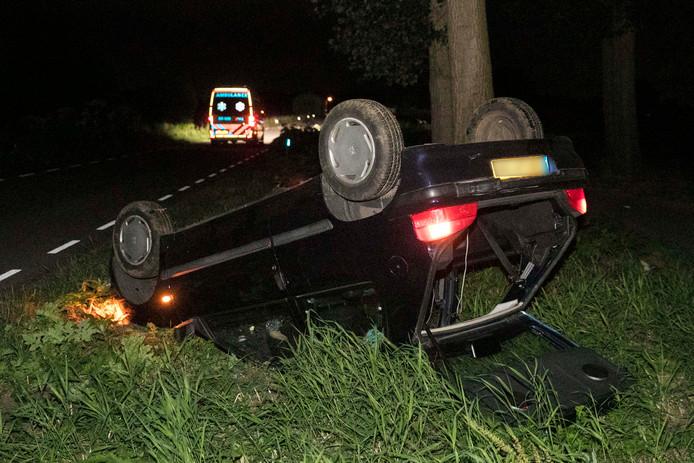 De auto sloeg over de kop bij het ongeval.