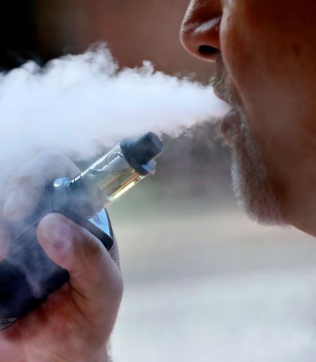 La cigarette électronique favorise-t-elle la propagation du virus?