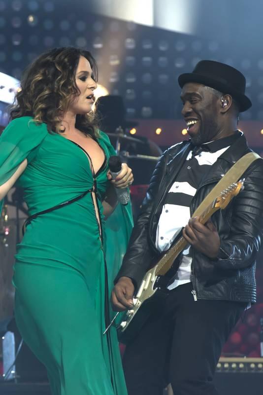 Trijntje en Alvin tijdens Ladies of Soul in Ziggo Dome, in 2015.
