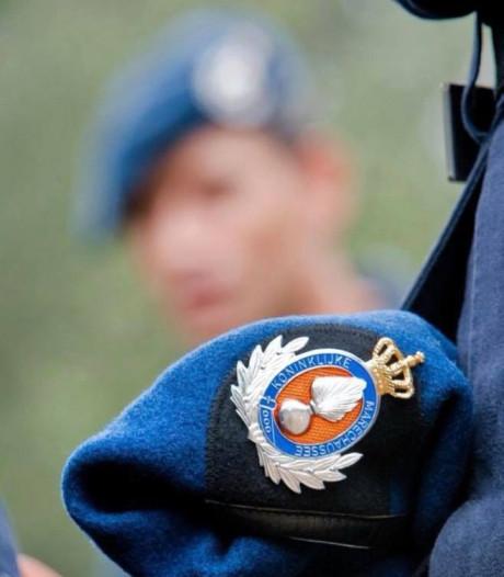 Dronken militair slaat met auto over de kop in Waalre en vlucht