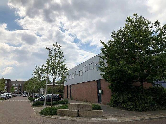 Het huidige bedrijvencentrum Vechtenstein is gedateerd en sluit volgens de gemeente niet meer aan op de woonwijk.