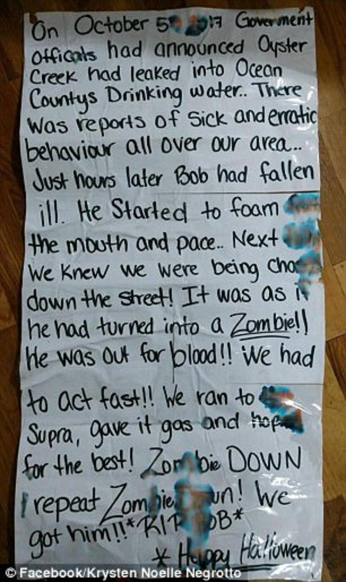Een begeleidend briefje legt uit waar zombie Alice vandaan komt.