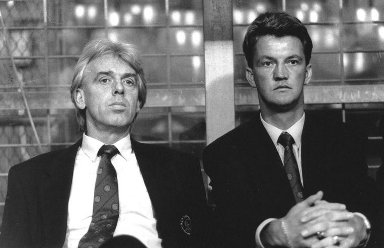 Archiefbeeld uit 1991 van Leo Beenhakker en Louis van Gaal, de huidige manager van Manchester United. Beeld anp