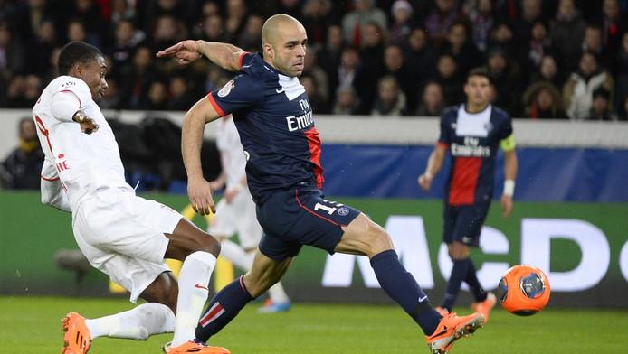 Alex aan de bal voor PSG.
