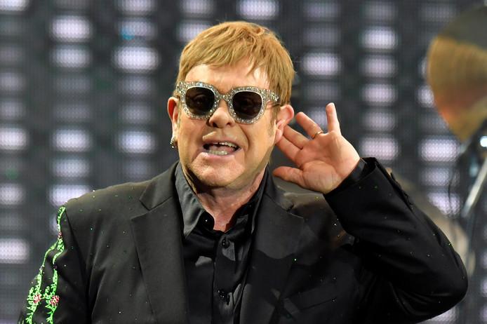 LOS ANGELES - De langverwachte film over het leven van Elton John, getiteld Rocketman, gaat volgende maand tijdens het filmfestival van Cannes in première. Dat meldt Variety.
